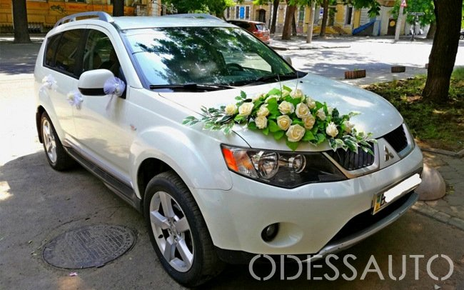Аренда Mitsubishi Outlander XL на свадьбу Одесса